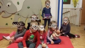 Skupinska slika z maskami