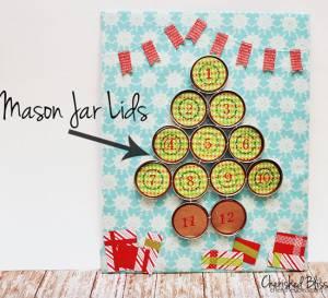 Adventni koledar z magnetnimi posodicami