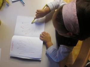 Spoznavamo števila v angleščini s pomočjo svojih prstkov